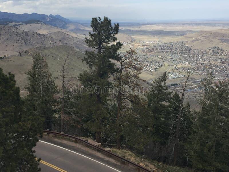 Обозревая скалистые горы стоковая фотография rf