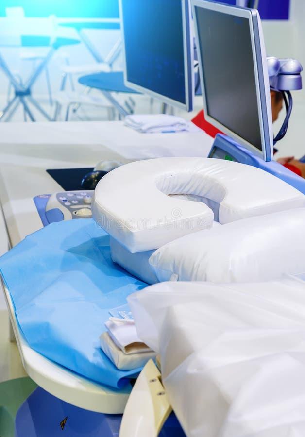 Оборудование в отделе онкологии Ядерная радиация в медицине самое последнее оборудование ультразвука для обработки рака стоковые изображения