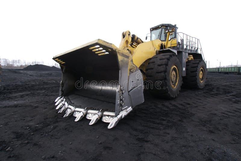 Оборудование добычи угля бульдозер стоковая фотография rf