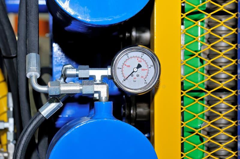 Оборудование на метрах давления трубопровода природного газа стоковые изображения rf