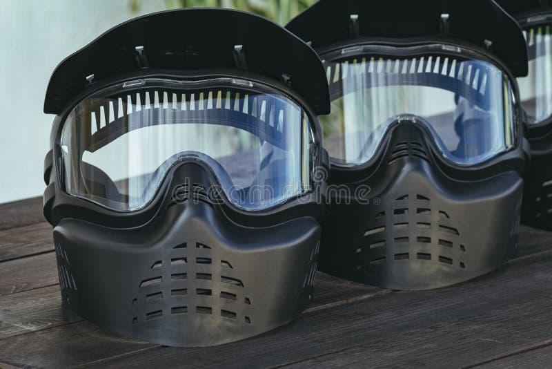 Оборудование весьма спорта пейнтбола защитное стоковое фото rf