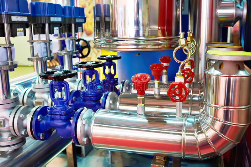 Оборудование пищевой промышленности транспортера завода хлеба стоковое изображение