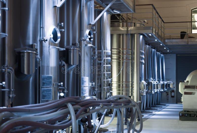 Оборудование современного winemaker стоковая фотография rf