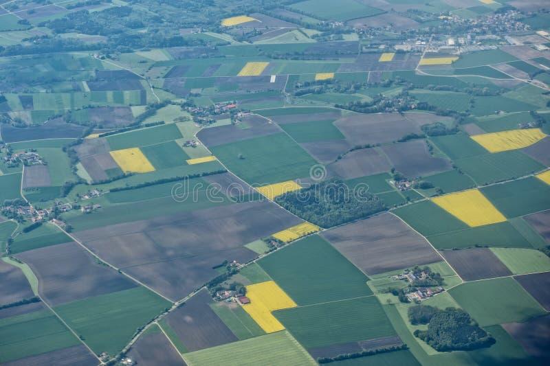 Download Обрабатыванный землю вид с воздуха полей Стоковое Фото - изображение насчитывающей поле, ферма: 40581766