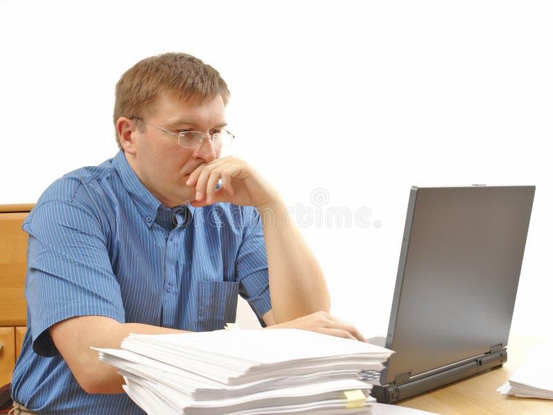 обработка документов офиса стоковое изображение