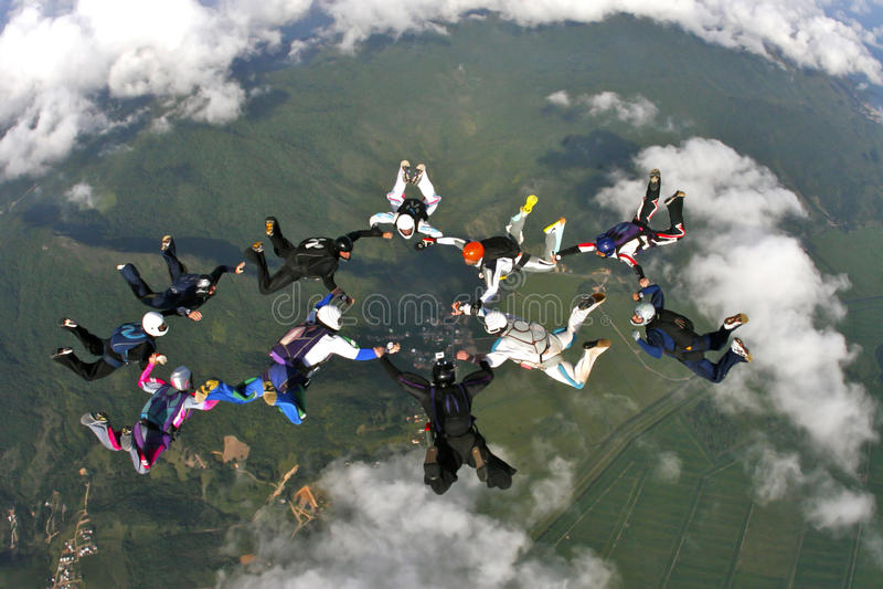 Download Образование Skydiving редакционное стоковое изображение. изображение насчитывающей тренировка - 96774119