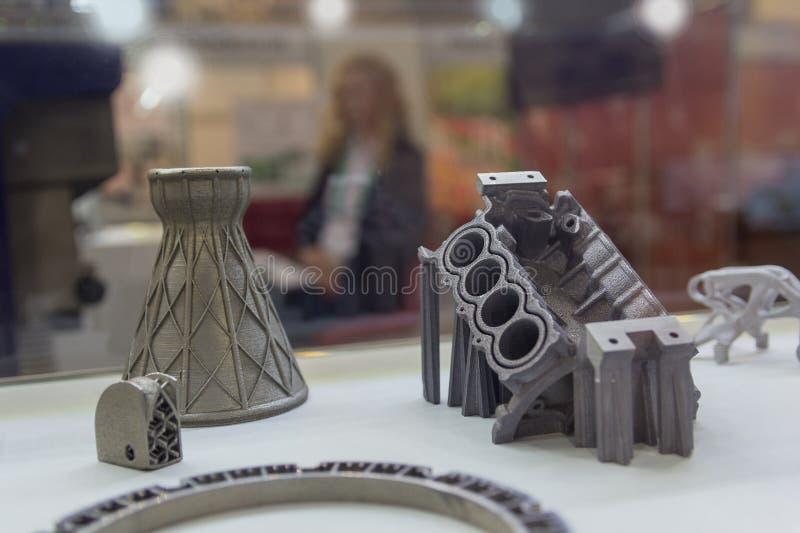 Образцы произвели путем печать принтера 3D от металлического порошка стоковые изображения