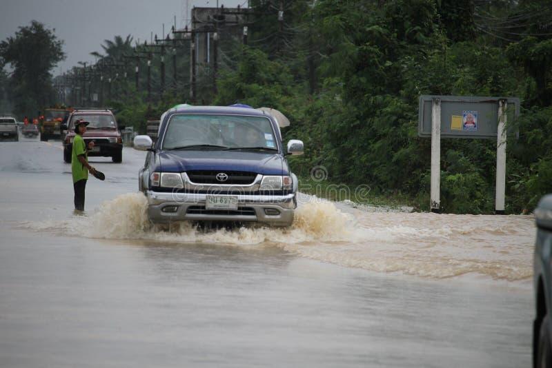 Образ жизни людей в массивнейшем flooding стоковые изображения