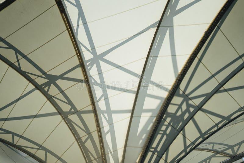 Обрамлять в крыше купола стоковые фотографии rf