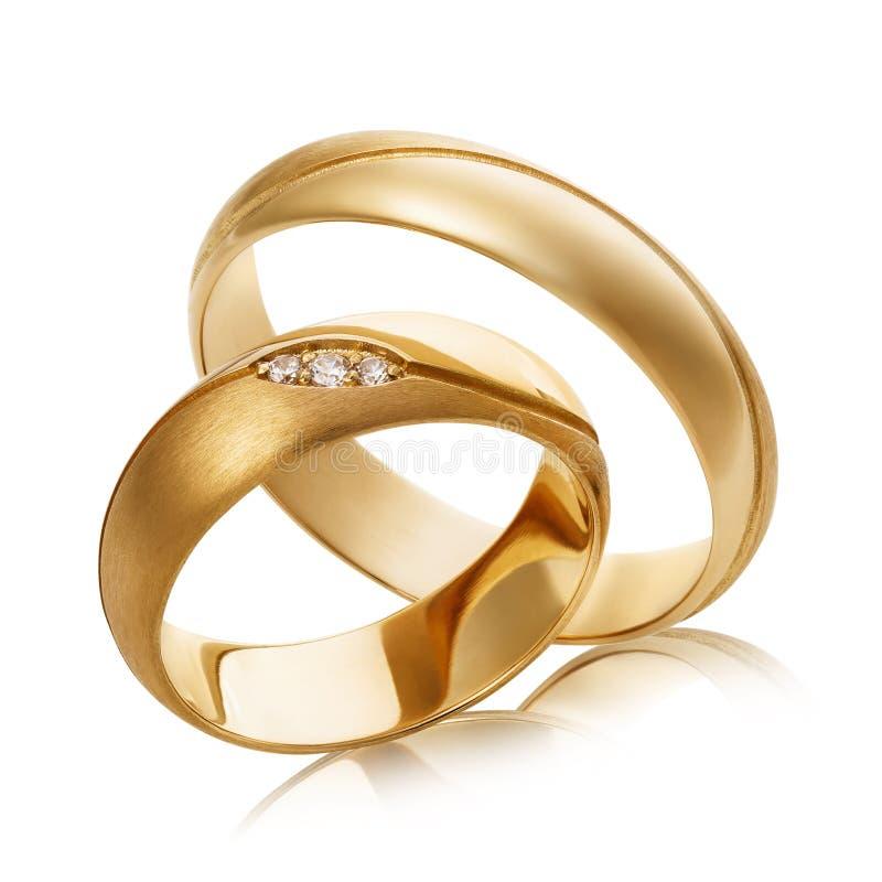 2 обручального кольца золота с диамантами изолированными на белой пре стоковые изображения rf