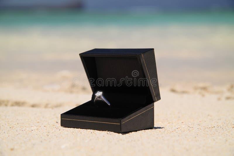 обручальное кольцо диаманта стоковая фотография
