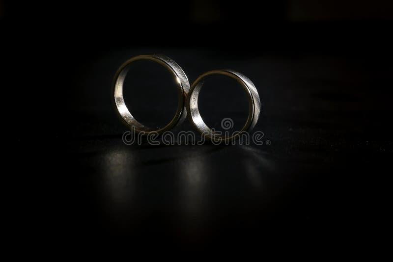 Обручальное кольцо символ префекта замужества стоковая фотография