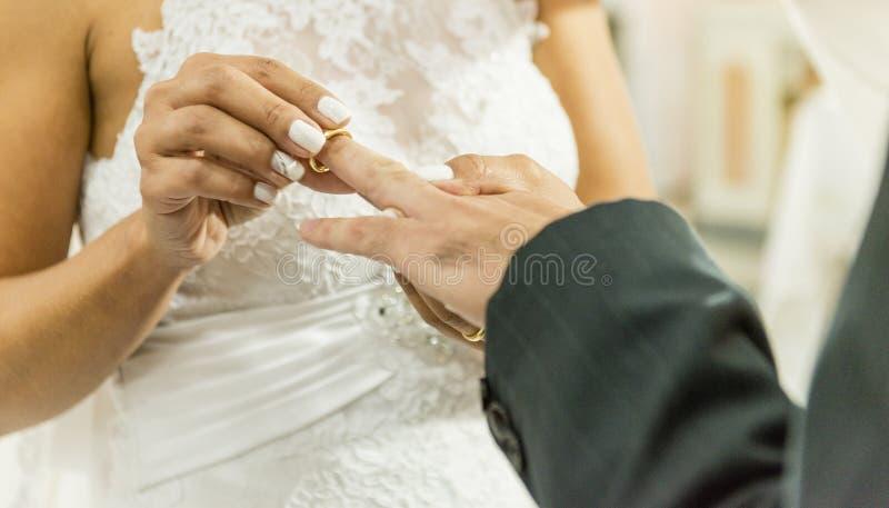 Обручальные кольца - свадьба воодушевленности стоковые изображения rf