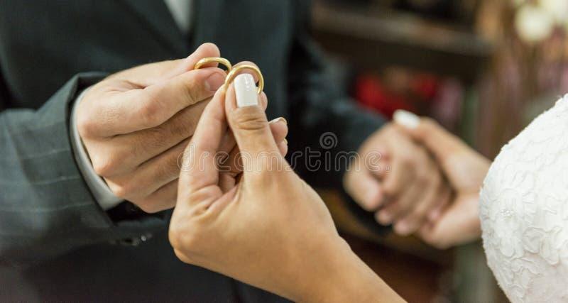 Обручальные кольца - свадьба воодушевленности стоковая фотография rf