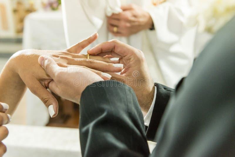 Обручальные кольца - свадьба воодушевленности стоковое изображение