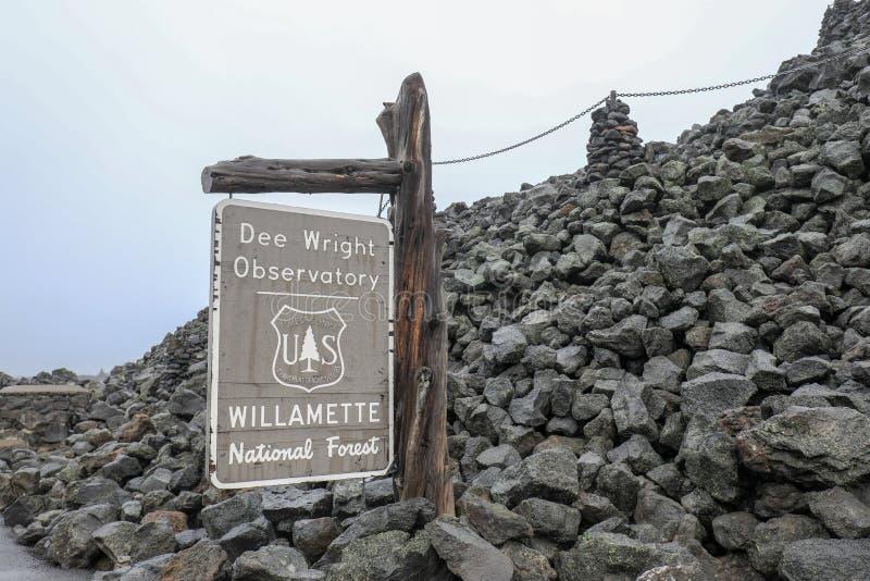 Обсерватория Dee Wright, обсерватория в Deschutes County, Орегоне стоковое изображение