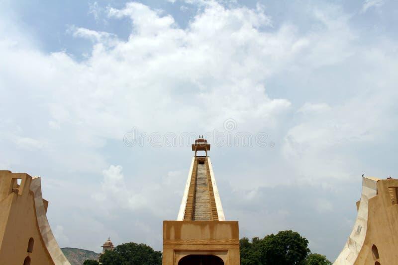 Обсерватория Jantar Mantar в Джайпуре, состоит из архитектурноакустического a стоковые изображения rf