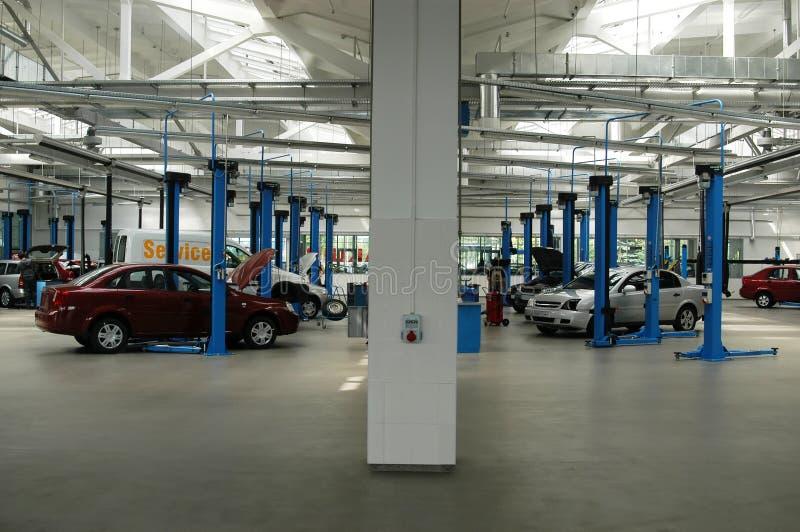 обслуживание автомобиля стоковая фотография