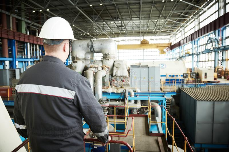 Обслуживание электростанции Инженер работника Industial стоковые изображения
