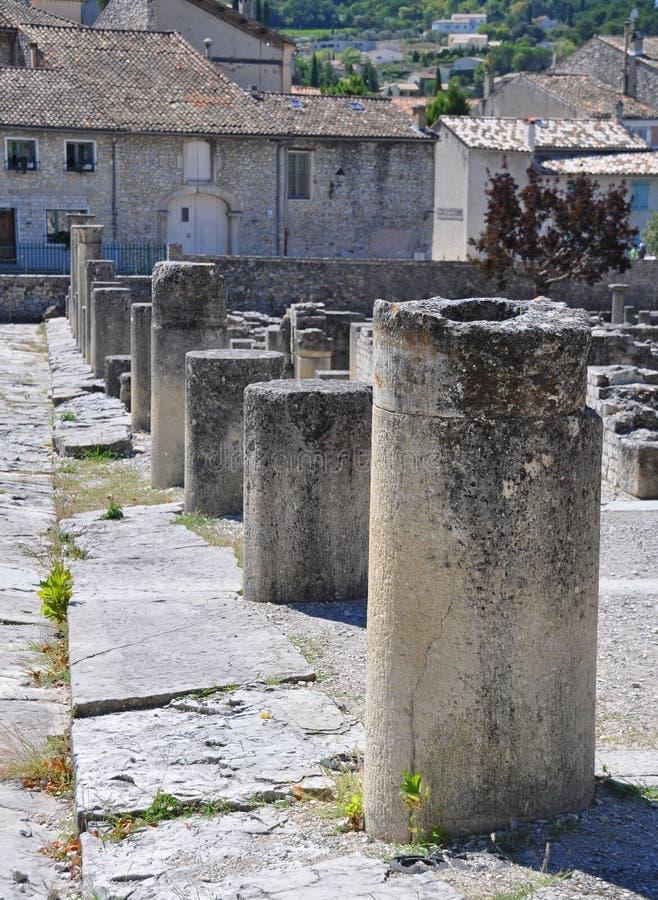Обширные римские руины на Vaison-Ла-Romaine, Провансали, Франции стоковое изображение rf