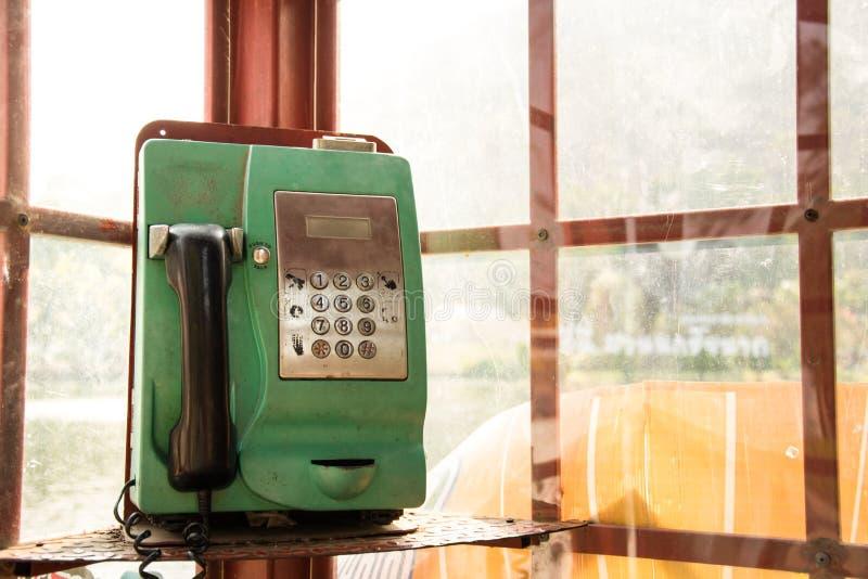 Общественное зеленое telphone стоковая фотография