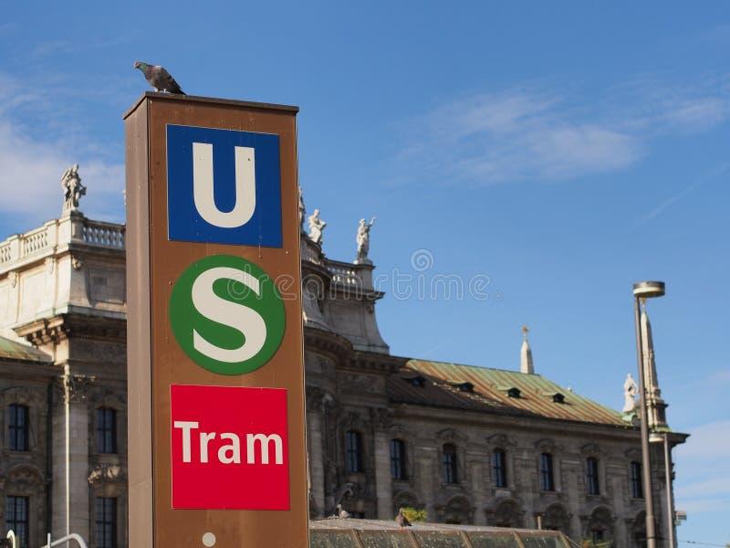 Общественный транспорт в Мюнхене стоковые изображения rf