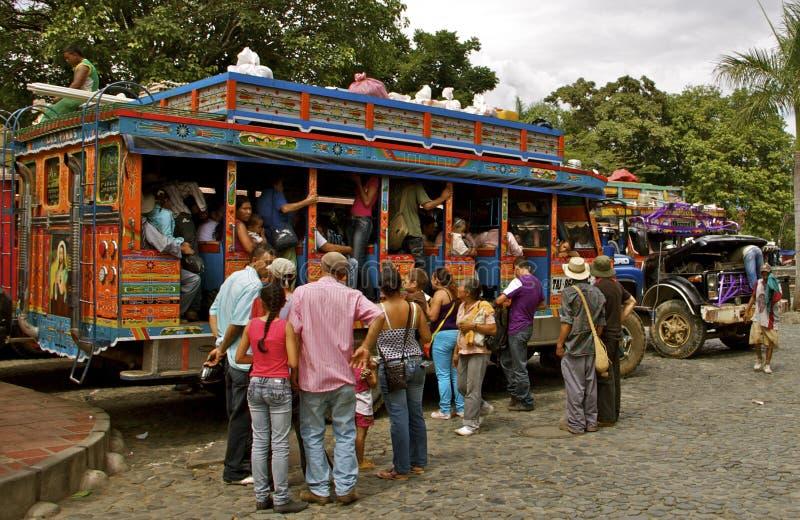 Общественный транспорт, шины Chiva, Колумбия стоковая фотография rf