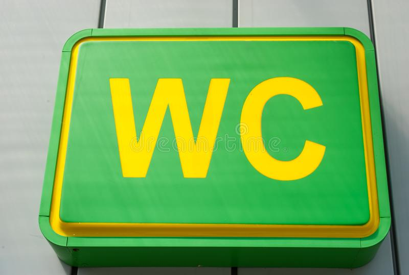 общественный wc туалетов знака стоковая фотография rf