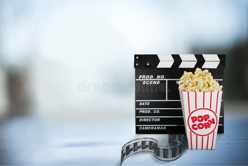 Объекты кино установленные на предпосылку стоковое изображение