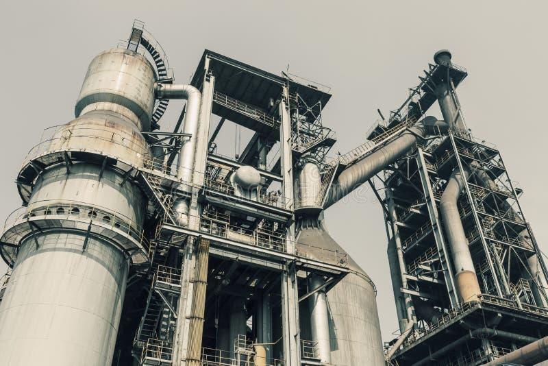 Объекты клапана трубопровода в сталелитейных заводах стоковое изображение rf