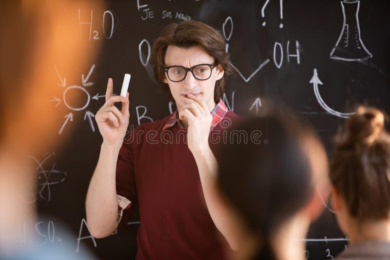 объяснять формулу стоковые фото