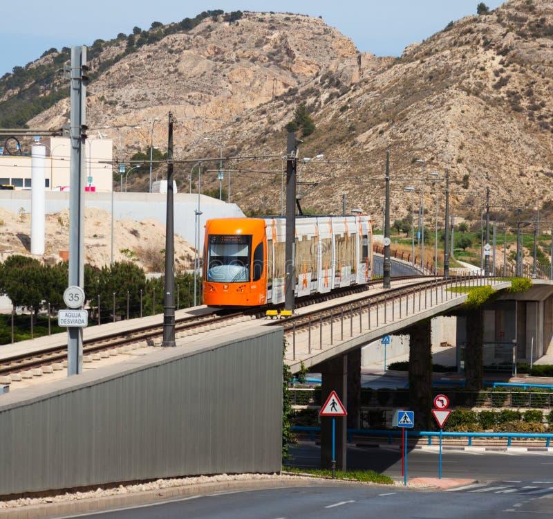 Обычная трамвайная линия в Аликанте Испания стоковые изображения