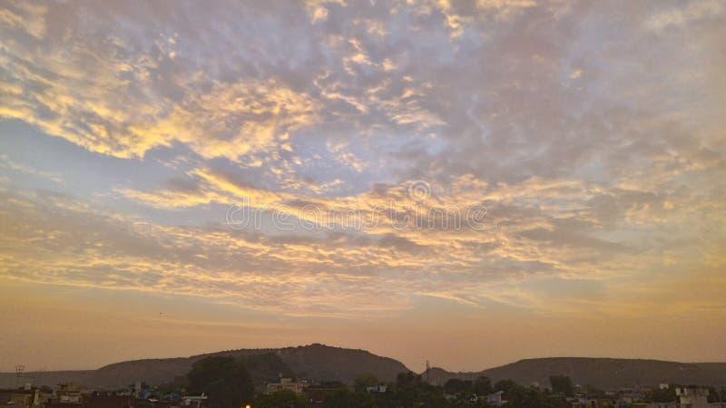 Облака в небе стоковые изображения rf