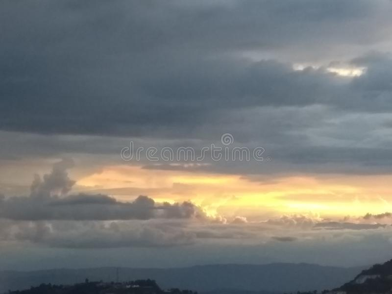 Облака захода солнца стоковое изображение