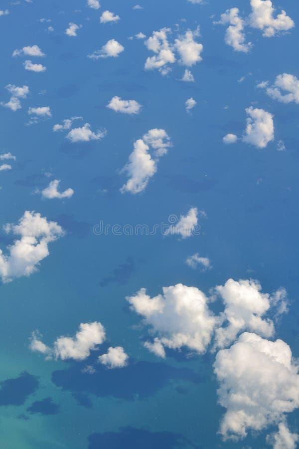 Облака и море стоковые изображения rf