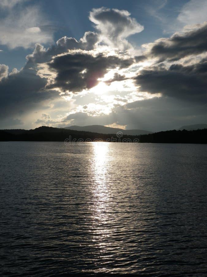 Облака и солнце стоковые изображения rf