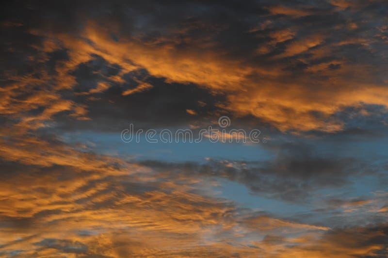 Download Облака над Атлантическим океаном Стоковое Фото - изображение насчитывающей бог, кумулюс: 37926192