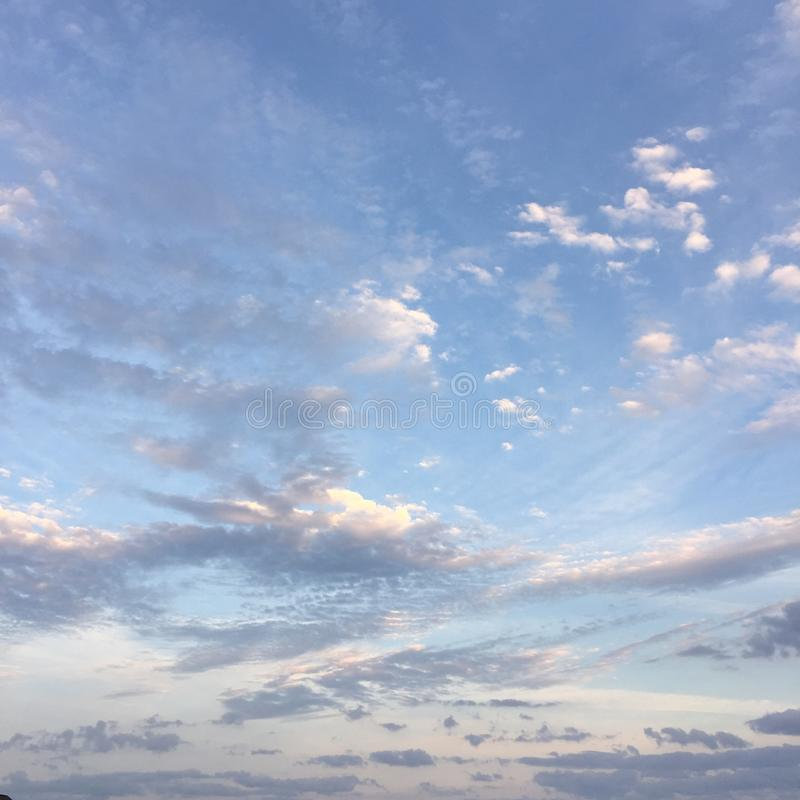Облака утра стоковые фото
