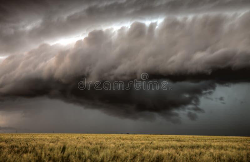 Облака шторма Саскачеван стоковое изображение rf