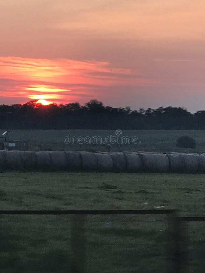 Облако апельсина солнца ранчо стоковая фотография rf