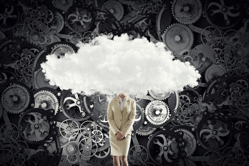 Download Облако возглавило женщину Мультимедиа Стоковое Фото - изображение насчитывающей небо, разум: 81807926