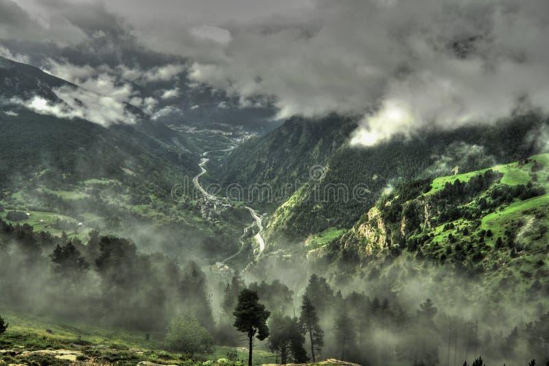 Облако и смог в Андорре стоковая фотография