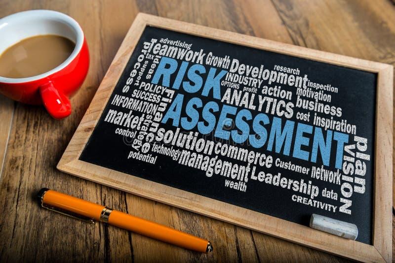 Облако слова оценки степени риска стоковое изображение rf