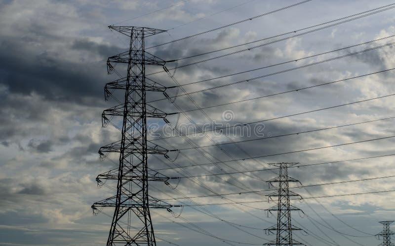 Облако с электрической башней стоковая фотография rf