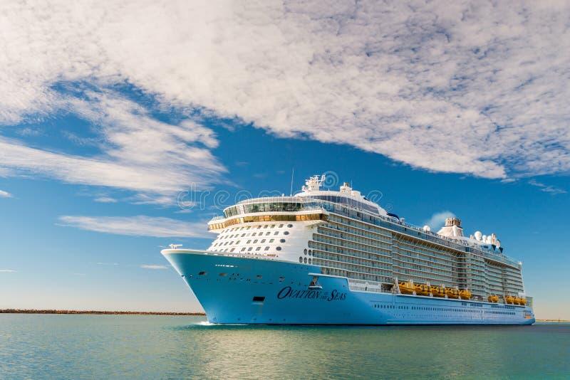 Овация MS туристического судна морей стоковые изображения rf