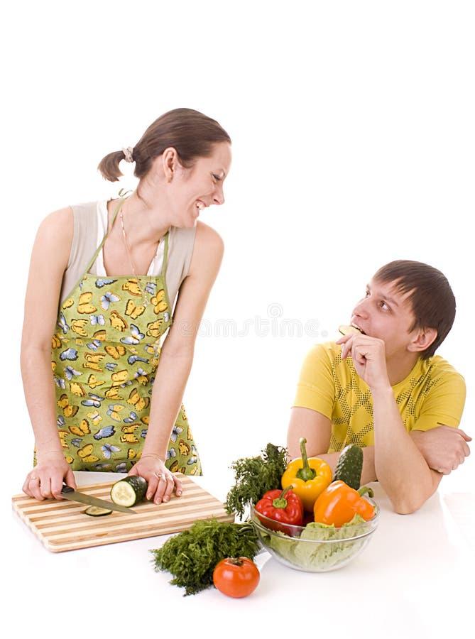 овощи домохозяйки prepearing стоковое фото