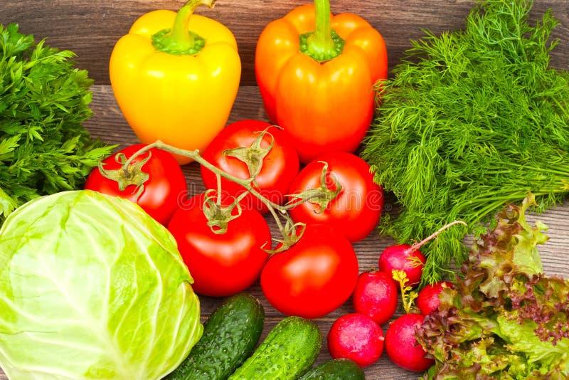 Download овощи продуктов свежего рынка земледелия Стоковое Фото - изображение насчитывающей капуста, редиска: 41660378