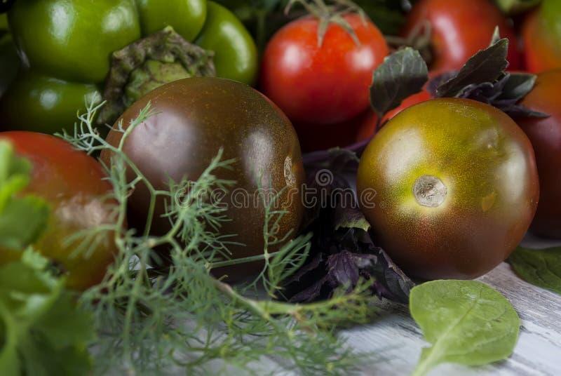 Овощи разнообразия зеленого и красного цвета, стоковая фотография rf