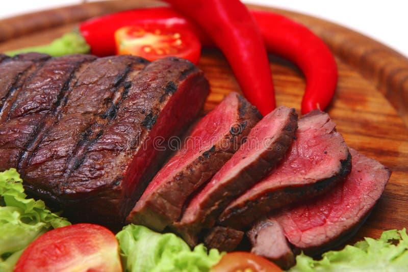 овощи стейка говядины зажаренные в духовке мясом стоковая фотография