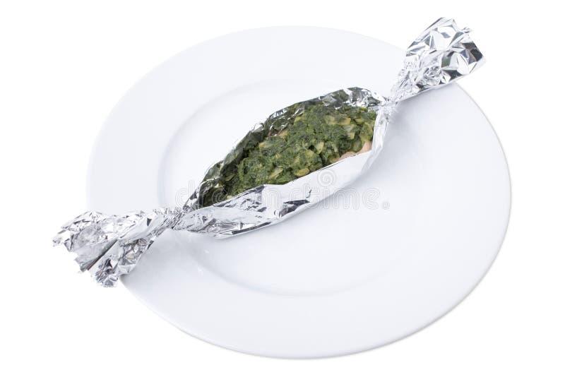 Овощи с семгами испеченными в фольге стоковые изображения